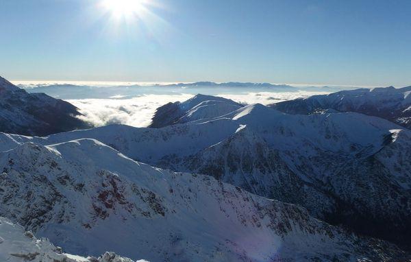Татры. В горах снова выпал снег. TOPR объявил первую степень лавинной опасности
