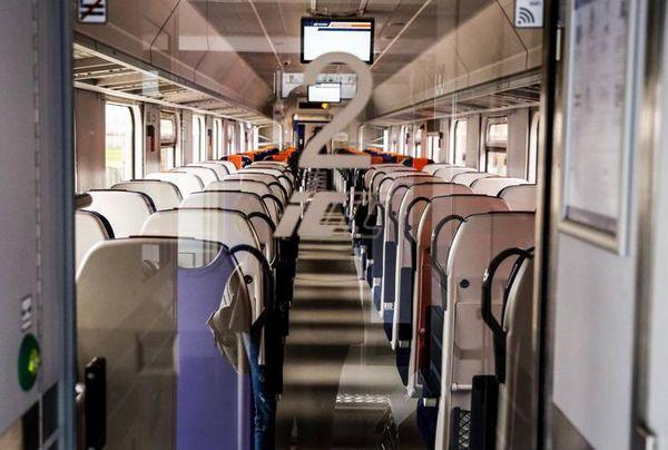 Санэпид ищет пассажиров на поезде Гданьск - Бельско-Бяла