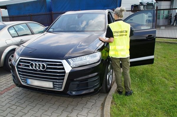 Гражданин Украины пытался вывезти дорогое авто из Польши