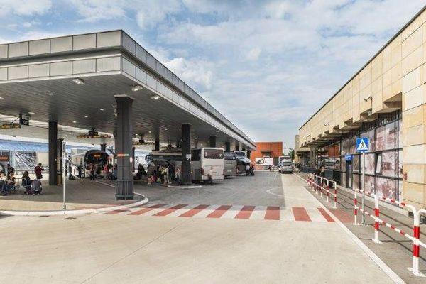 Санэпид ищет пассажиров автобусов из Кракова в Новый Сонч