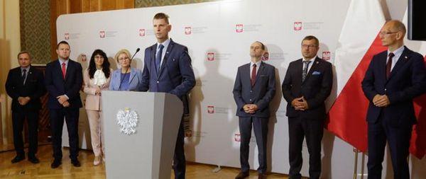 Министр Национального Образования Польши объяснил, когда ученики будут изолированы