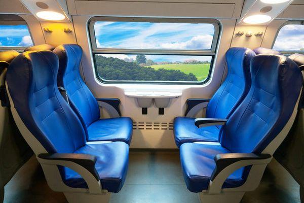 Коронавирус в поезде и автобусе, санэпид Польши ищет пассажиров