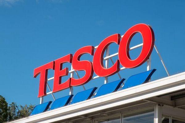 Tesco в Польше увольняет почти 900 сотрудников