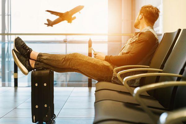Польша вновь ввела карантин для пассажиров самолетов из Украины