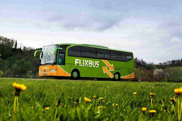 FlixBus высадил пассажиров и оставил с чемоданами посреди пути из Варшавы во Вроцлав