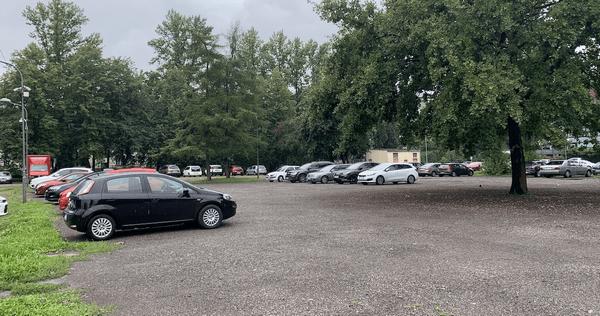 Власти Кракова предоставили более 550 бесплатных парковочных мест в центре города