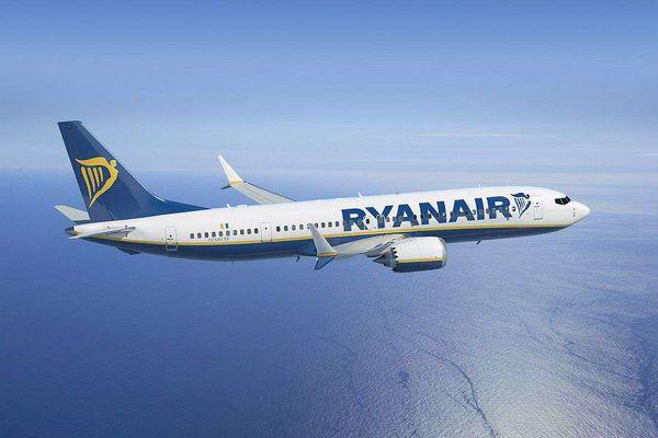 Ryanair не отступает и снова объявил о распродаже