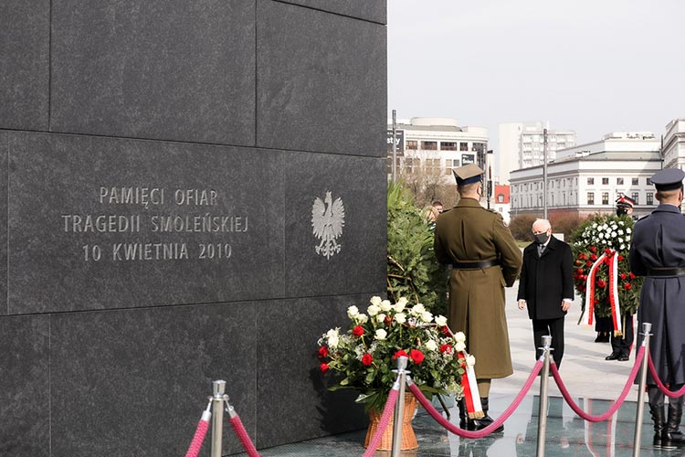 В Польше проходят траурные мероприятия в память Смоленской катастрофы