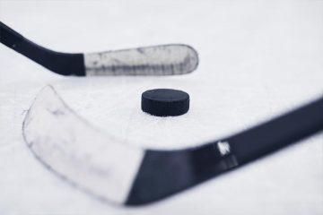 Сборная Украины по хоккею уступила полякам на международном турнире в Словении