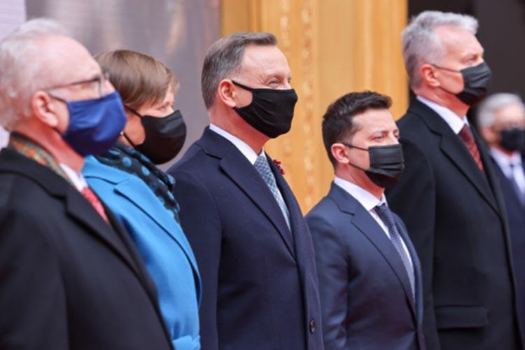 Президенты пяти стран в Варшаве подписали совместную декларацию