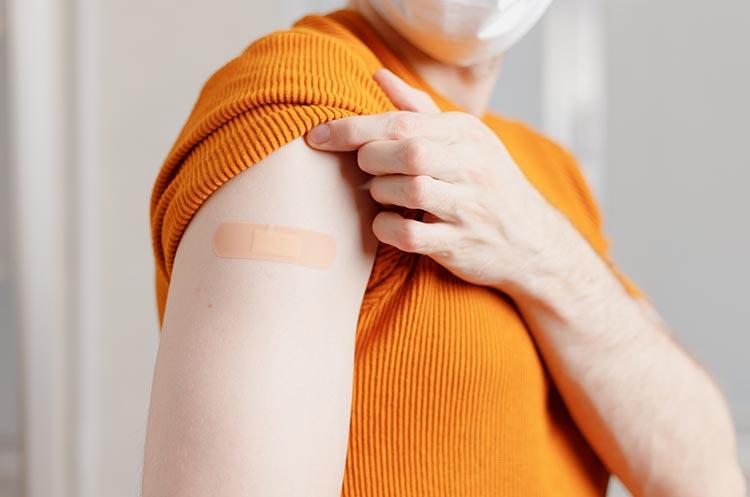 В Польше полностью вакцинировали уже более 7,3 млн человек