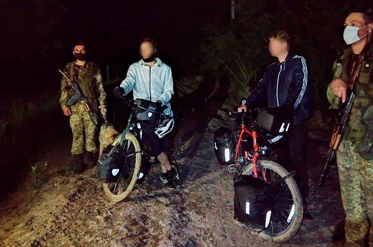 Двое немцев незаконно пересекли границу с Украиной, потому что думали, что Украина в ЕС