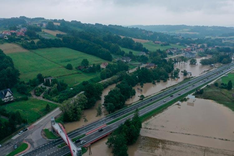 В Польше ряд регионов пострадали от сильных ливней с градом