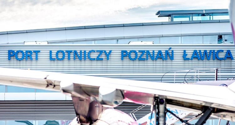 """Самолет в из Познани в Одессу улетел без 30 пассажиров. """"Пилот сказал, что он король самолета, и кричал вон"""""""