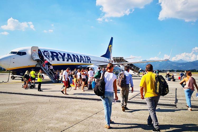 Самолет Ryanair снова вылетел из польского аэропорта без пассажиров