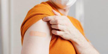 В Польше низкий интерес к вакцинации среди иностранных работников