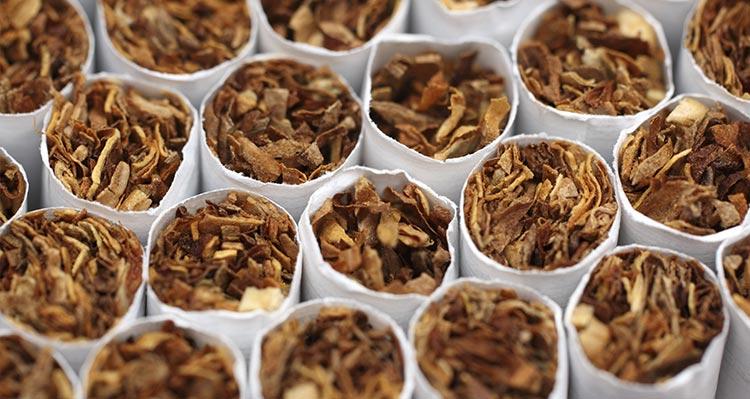 В Польше на незаконной фабрике сигарет задержали семерых украинцев