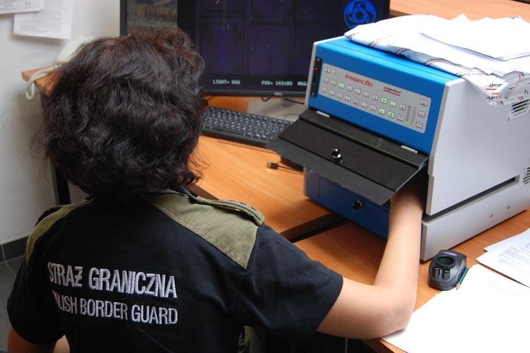 В аэропорту Польши у гражданина Украины были обнаружены поддельные штампы в паспорте