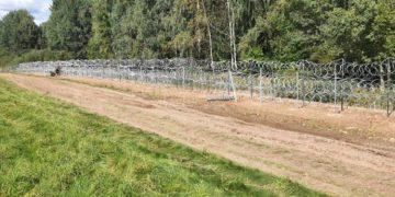 Польша построила забор на границе с Беларусью протяженностью 50 км