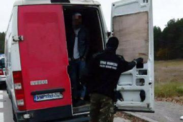 В Польше задержали украинца, перевозившего 27 нелегалов из Ирака